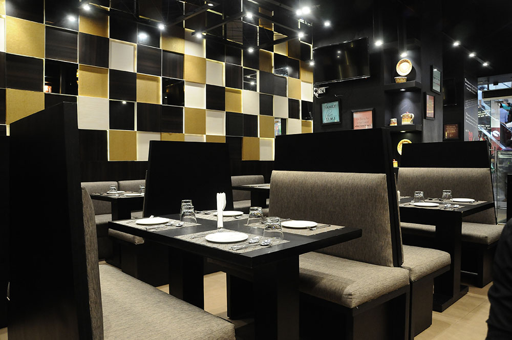 restaurats with alcohol ner velachery